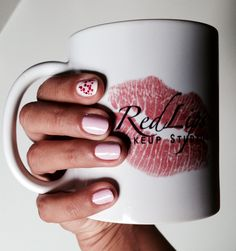 #manicura #mosacio #redlips #mug #manicure http://amisqueridasmujeres.blogspot.com.es/ https://www.facebook.com/redlipsmakeup?ref=hl http://redlipsmakeupstudio.com/