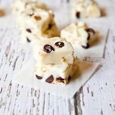 Over 100 fudge recipes to satisfy your sweet tooth this season!