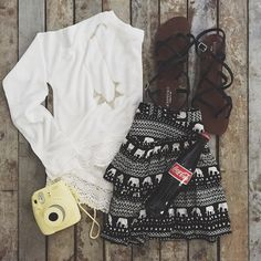 White and black Cute Dress Outfits, Cute Dresses, Diy Outfits, Aeropostale, Teen Fashion, Fashion Outfits, Fashion Ideas, Kinds Of Clothes, Spring Outfits