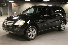 2006 Mercedes ML500. There's a reason the Mercedes dealer repair waiting rooms are so nice.