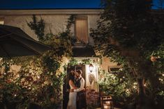 A gorgeous real wedding in Rosleague Manor. Be inspired by Margaret and David's cool and colourful house party wedding in Connemara. Finding Your Soulmate, Connemara, Irish Wedding, Love Couple, House Party, House Colors, Real Weddings, Wedding Venues, How To Memorize Things