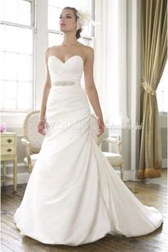Vintage inspired sweetheart chapel train satin with beading Wedding Dresses