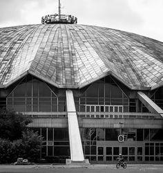 """Hala widowiskowo-sportowa """"Arena"""", Grunwald district, Poznań, Poland built between 1972-74, architect Jerzy Turzeniecki"""