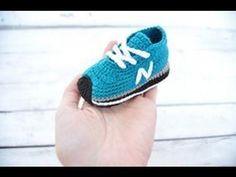 Zapatillas de bebé de ganchillo. Crochet baby sneakers, booties. Gali Craft. Link download: http://www.getlinkyoutube.com/watch?v=DPHxzM9FzHU Más