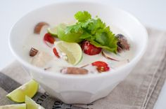 Tom kha gai Panna Cotta, Lime, Tasty, Ethnic Recipes, Desserts, Soups, Drink, Tailgate Desserts, Lima