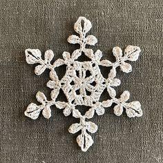 Free Crochet Snowflake Patterns, Crochet Stars, Crochet Motifs, Christmas Crochet Patterns, Crochet Snowflakes, Easy Crochet, Crochet Angels, Crochet Thread Size 10, Crochet Hook Sizes
