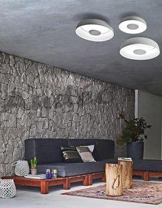 Giarnieri Time p est un plafonnier rond à led. Cet éclairage de plafond est dispo en différentes tailles et couleurs