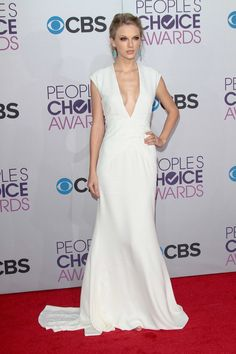 Taylor Swift in white Ralph Lauren gown at the People's Choice Awards.  LOVE LOVE LOVE!!