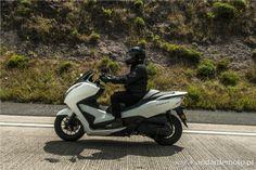 A Honda Forza 300 em Movimento