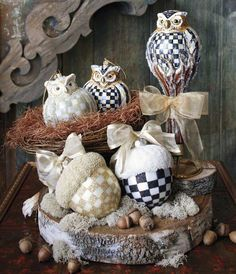 Can you believe it?! It's getting closer to that time of year. Here are some of my favorites...the Courtly Check and Parchment Check Owl ornaments.