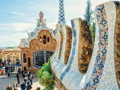 Construyendo mosaicos // Park Güell // Barcelona by migueltoribio