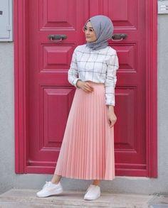 Modern Hijab Fashion, Street Hijab Fashion, Hijab Fashion Inspiration, Abaya Fashion, Muslim Fashion, Modest Fashion, Skirt Fashion, Fashion Outfits, Fashion Fashion