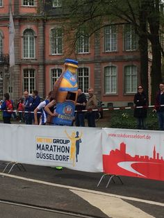 Beer man at the Düsseldorf Marathon.  He was running a full, I just ran a relay.  Managed to entered a PB for a 10k at 50:02 :). First official race in Germany.
