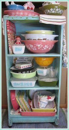 Golden Egg Vintage: PINK SATURDAY: Shelf Makeover, A Place For My Pyrex!