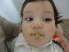 """Ao som """"O que é, que tem na sopa do neném"""" do Palavra cantada... Pietro e sua sopa de agrião..."""
