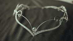 bridal jewelry for the radiant bride Fairy Jewelry, Magical Jewelry, Fantasy Jewelry, Cute Jewelry, Wedding Jewelry, Fantasy Wire, Bijoux Fil Aluminium, Medieval Fashion, Circlet