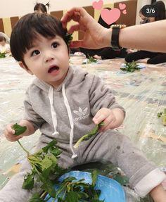 Cute Funny Babies, Cute Asian Babies, Korean Babies, Asian Kids, Cute Baby Boy, Cute Little Baby, Lil Baby, Little Babies, Cute Kids