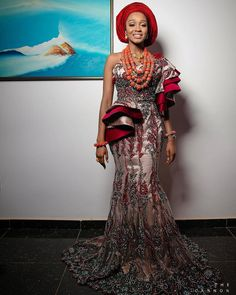 Who doesn't love traditional skirts and blouses? When it comes to look chic, traditional skirts… Nigerian Traditional Wedding, Traditional Wedding Attire, African American Fashion, African Inspired Fashion, African Lace Dresses, African Fashion Dresses, African Wear, African Attire, Latest Aso Ebi Styles