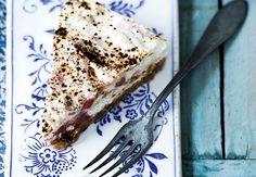 Ostekage med rabarber og lakrids