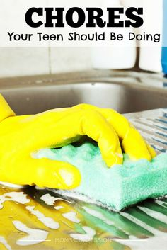 Household Chores like these Your Teens Should Be Doing will keep the kids busy during summer break, and help you stay on top of household organization!