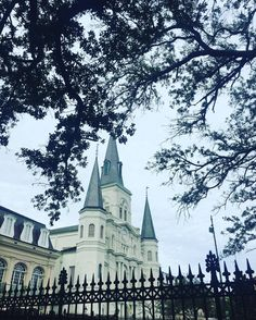 Jackson Square and the St. Louis Cathedral (the oldest cathedral still in use in North America) are must sees in the French Quarter #followyournola