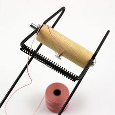 Jak zrobić bransoletkę na krośnie zakończoną w tórkąt. Earring Tutorial, Bracelet Tutorial, Jewelry Patterns, Bracelet Patterns, Loom Patterns, Beading Patterns, Diy Earrings Studs, Crochet Bracelet Pattern, Morse Code Bracelet