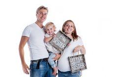 Family Maternity/ Pregnancy Photoshoot - Big sister, Little sister :)