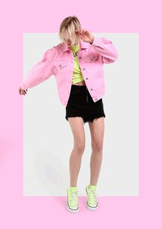 Tons fluo de rosa, verde e amarelo atualizam o visual de festival. Email Design, Ad Design, Branding Design, Gif Fashion, Fashion Videos, Fashion Graphic Design, Clothing Photography, Portrait Illustration, Social Media Design