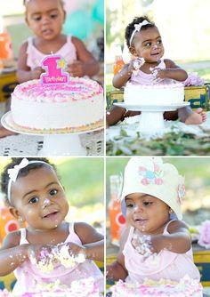 baby girls first birthday photo idea