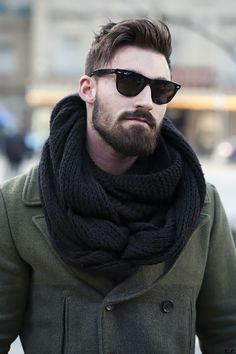 Men's style/ men's fashion/ street style/knitted scarf/ winter layers/winter fashion