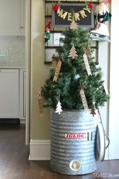Christmas tree in a vintage Igloo cooler kellyelko.com