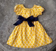 Baby girl clothes Fall Dress Girls yellow dress by SewChristi Girls Fall Dresses, African Dresses For Kids, Little Girl Dresses, Toddler Fall Outfits Girl, Girls Fall Outfits, Cotton Frocks For Kids, Kids Dress Collection, Baby Dress Patterns, Ideias Fashion