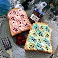 さらにかわいくなった!あの「 #ウェーブトースト 」に人気キャラクターがひょっこり #おうちごはん Good Food, Yummy Food, Tasty, Cute Bento, Bread Toast, Salty Foods, Chocolate Strawberries, Disney Food, Food Art