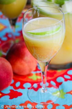It's time for Happy Hour! White Peach Sangria #summer #cocktail #happyhour #summersoiree #recipe