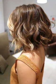 Short Ombre hair... love the color, cut and curls!