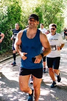 I'm gonna run to you ❤️😍💋😘 Henry Caville, Love Henry, Henry Superman, Lycra Men, Henry Williams, Kenny Chesney, Cute Actors, The Witcher, Happy Weekend