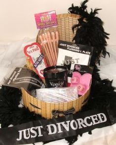 *anti-wedding inspiration* Party Hamper: Divorce 'Lets Party' Gift Hamper +P Breakup Party, Divorce Party, Divorce Cakes, Party Gifts, Party Favors, Party Suppliers, Grilling Gifts, Fitness Gifts, Gift Hampers
