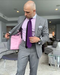 Another day, another chance to meet your short term goals. They were never meant to be easy. If achieving goals were, everyone would do it… Bald Men Style, Style Men, Suit Up, Suit And Tie, Fashion Suits, Men's Fashion, Formal Business Attire, Mens Braces, Braces Suspenders