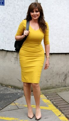 Something for you to admire Carol Vordeman, Strong Women, Sexy Women, Dress Skirt, Bodycon Dress, Day Dresses, Dressing, Beautiful Women, Celebs