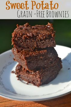 Calls for Peanut Butter or Almond Butter- Use … Sweet Potato Grain-Free Brownies. Calls for Peanut Butter or Almond Butter- Use ANY nut butter of your choice. Paleo Dessert, Gluten Free Desserts, Healthy Baking, Healthy Desserts, Just Desserts, Dessert Recipes, Real Food Recipes, Yummy Food, Sweet Potato Brownies
