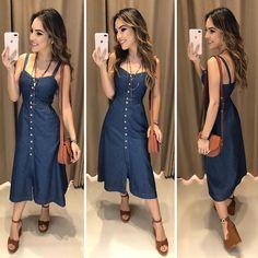 Começando o dia com esse vestido MARA ✨ Vestido Jeans Botões frente Compras pelo site: www.estacaodamodastore.com.br . Whatsapp Site: (45)99953-3696 - Thalyta . Ou em nossas lojas físicas de Santa Terezinha de Itaipu e Medianeira - PR