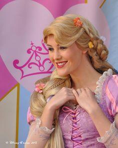 Rapunzel Cosplay, Disney Princess Rapunzel, Rapunzel And Eugene, Disney Princesses And Princes, Pocket Princesses, Disney Tangled, Disney Magic, Rapunzel Wig, Disney Fairies