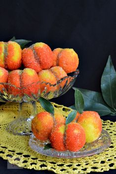 Piersici umplute cu crema - CAIETUL CU RETETE Romanian Food, Watermelon, Deserts, Dessert Recipes, Cooking Recipes, Peach, Sweets, Irene, Cakes