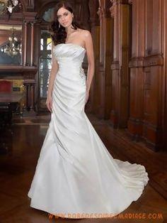 Robe de mariée sirène orné de perle