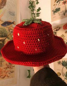 Most Trending Handmade Hats Designs - stylish Crochet hats Ideas - Hand Embroidery Crochet Hats Cute Crochet, Crochet Crafts, Hand Crochet, Knit Crochet, Yarn Projects, Crochet Projects, Crochet Clothes, Diy Clothes, Crochet Designs
