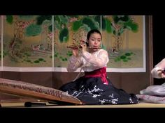 """Traditional Korean Instruments playing an arranged version of the French composer Maurice Ravel's """"Pavanne for a Dead Princess.""""  Video taken at Seoul Incheon international airport. BEAUTIFUL!"""