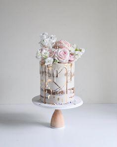 "Saadia-Canberra Cake Designer on Instagram: ""I think I will never get over these colours  #blushalltheway  Blooms @flowersfromthegardencbr . . . . . . . . . #cake #cakecake…"" 21st Cake, 50th Cake, 21st Birthday Cakes, Wedding Sweets, Cool Wedding Cakes, Elegant Wedding Cakes, Cupcake, Wedding Anniversary Cakes, Watercolor Cake"