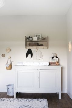 Slow Sleeping - Neutrale babykamer - Elina Styling - Nursery - Natural One Bedroom, Kids Bedroom, Kids Fever, Boy Girl Room, Nursery Inspiration, Nursery Ideas, White Clouds, Kidsroom, Sweet Home