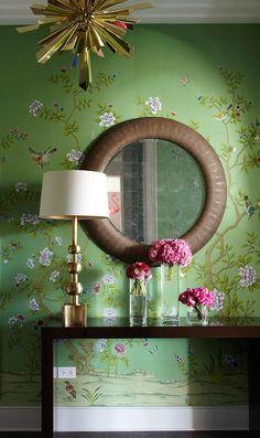 apartment in Chicago, London-based designer Samantha Todhunter #chinoiserie