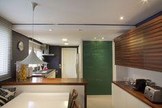 Um décor para toda família. Veja: http://www.casadevalentina.com.br/projeto s/detalhes/perfeito-para-toda-familia-601 #decor #decoracao #interior #design #casa #home #house #idea #ideia #detalhes #details #style #estilo #casadevalentina #kitchen #cozinha